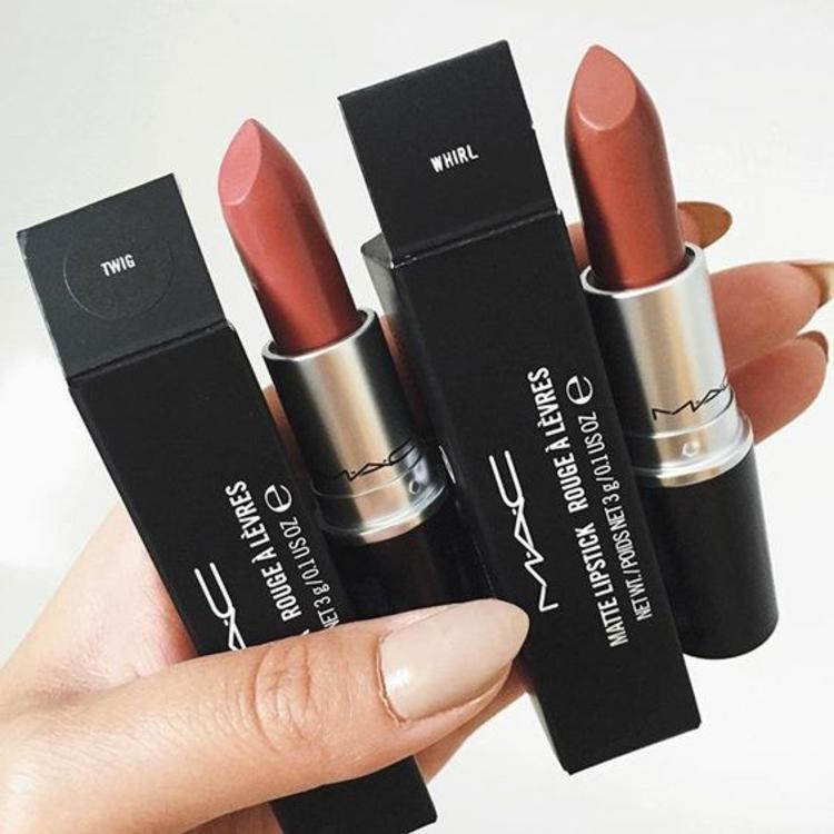 Mac Lippenstift Farbe aussuchen braune Nuancen