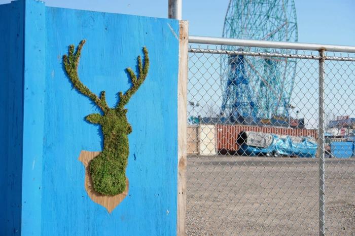 Moos Graffiti streetart künstler ornament tierkopf