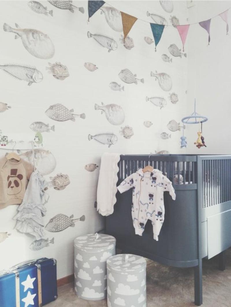 Mustertapeten Fische Tapeten Kinderzimmer gestalten Babyzimmer Möbel