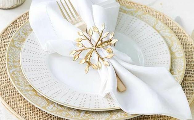 Servietten-falten-Anleitung-elegante-Tischdeko-Stoffservietten-falten