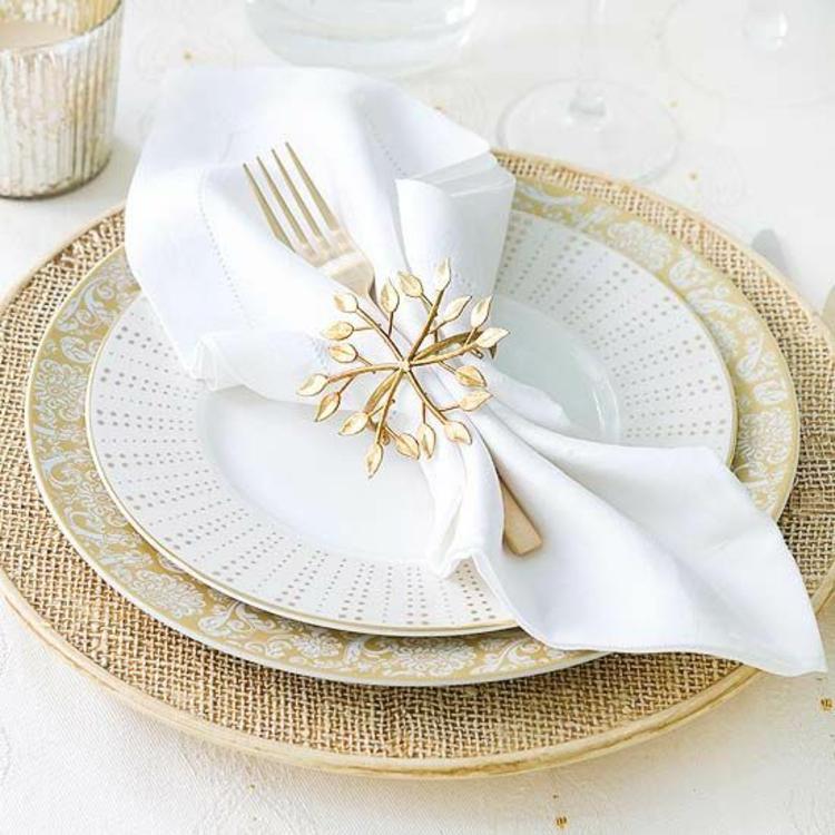 Servietten falten Anleitung elegante Tischdeko Stoffservietten falten