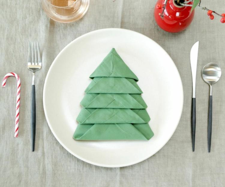 Servietten falten Weihnachten Tischdeko Stoffservietten falten