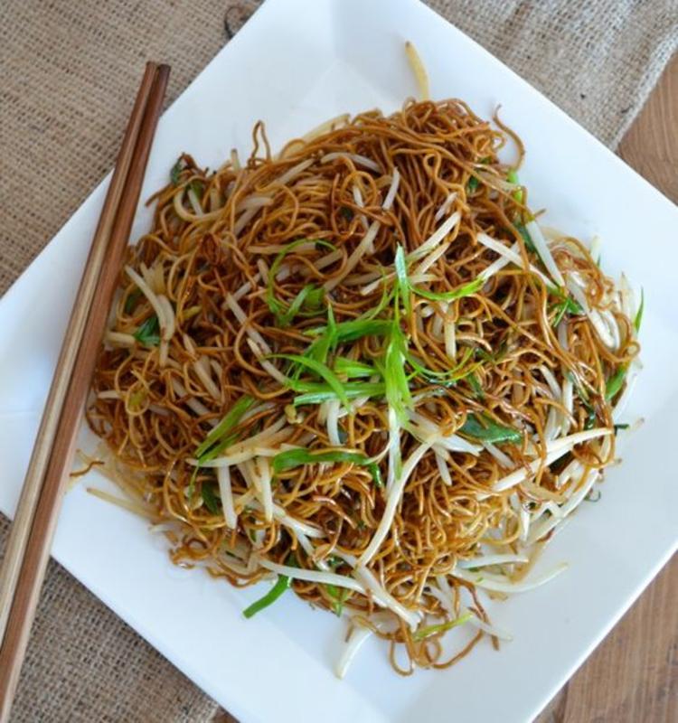 Soja und Rote Beete Sprossen gesunde chinesische Spezialitäten