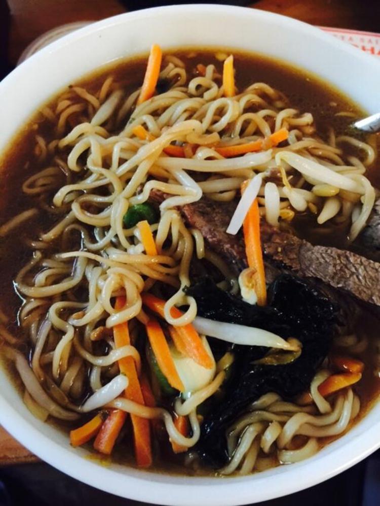 Suppe mit Soja Sprossen Rote Beete Sprossen gesunde Ernährung Tipps