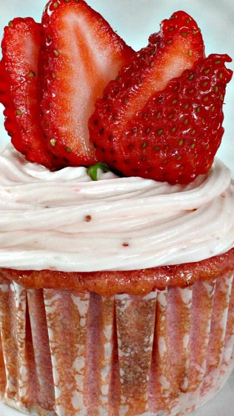 Törtchenzeit Mini Kuchen Rezepte mit Erdbeeren