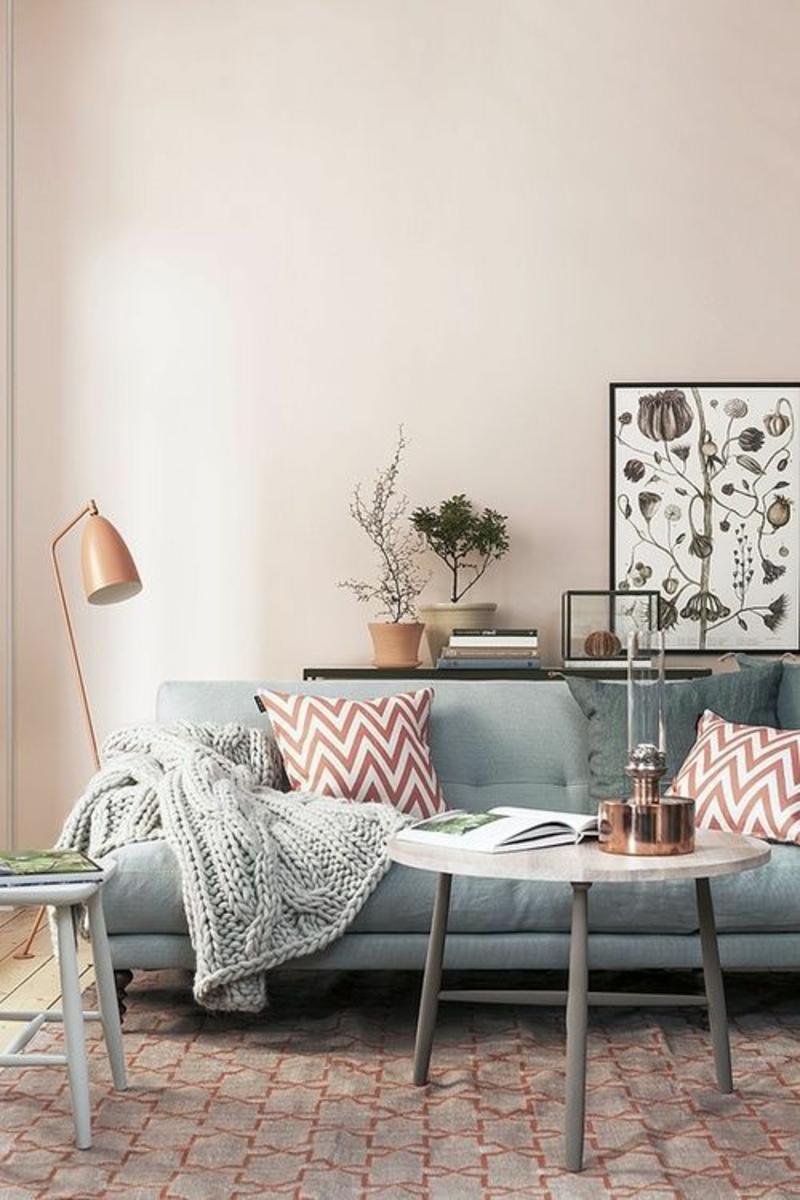 Wohnung skandinavisch einrichten Sofa Strickdecke