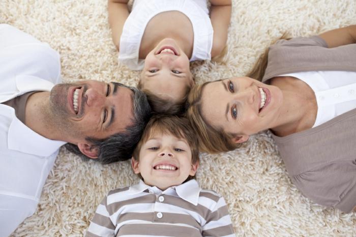 Wollteppich reinigen Gemütlichkeit für die ganze Familie
