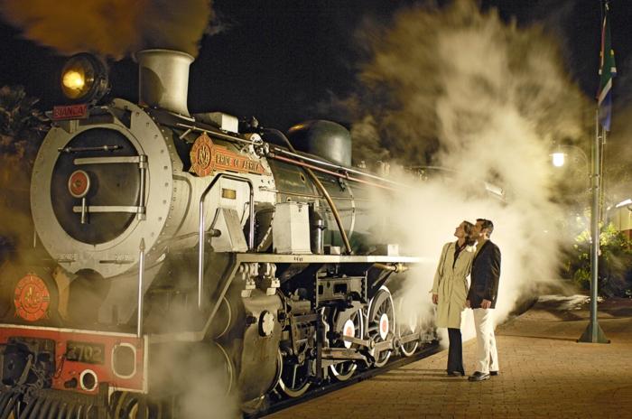bahnreisen rovos rail pride of afrika express romantisch reisen luxus eisenbahn