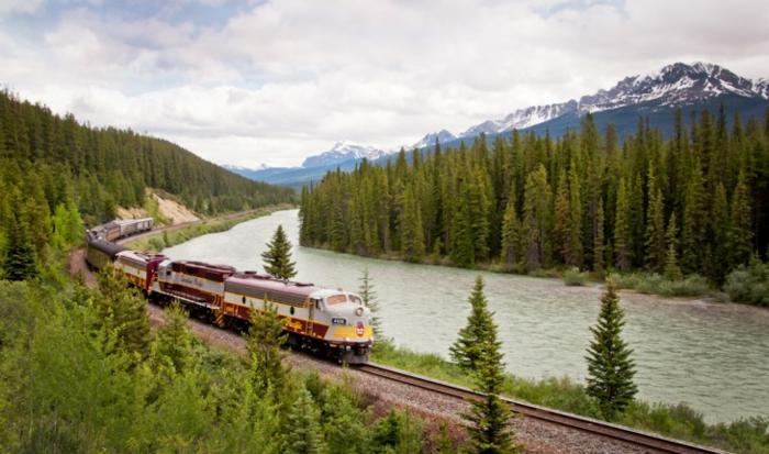 bahnreisen taj mahal reise ziele royal kanada pazifik
