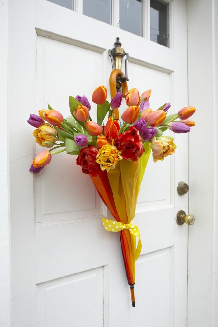 bastelideen frühling regenschirm tulpen farbig lustig