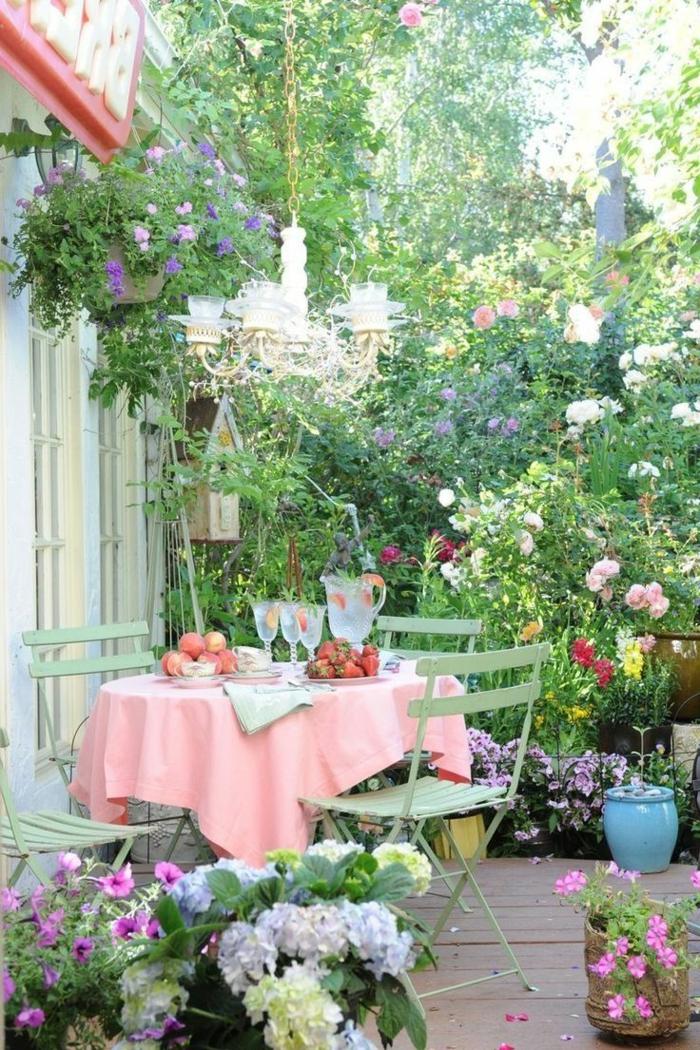 bastelideen frühling terrasse dekorieren blumen farbige tischdecke