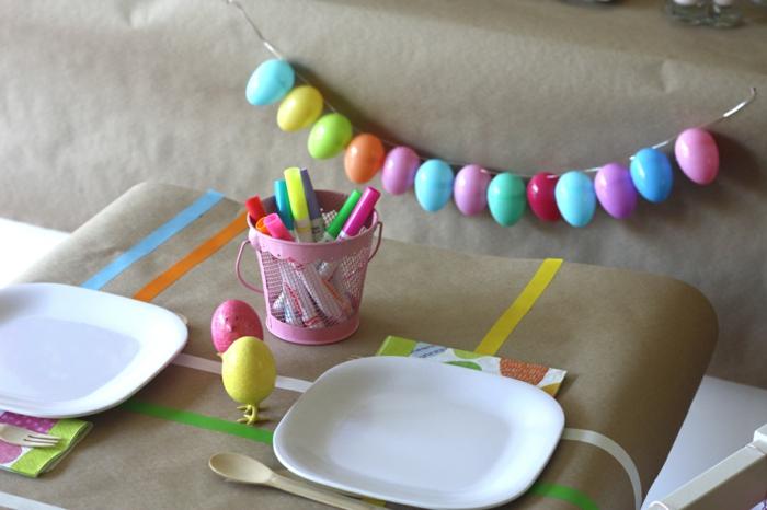bastelideen ostern festliche tischdeko farbige eier