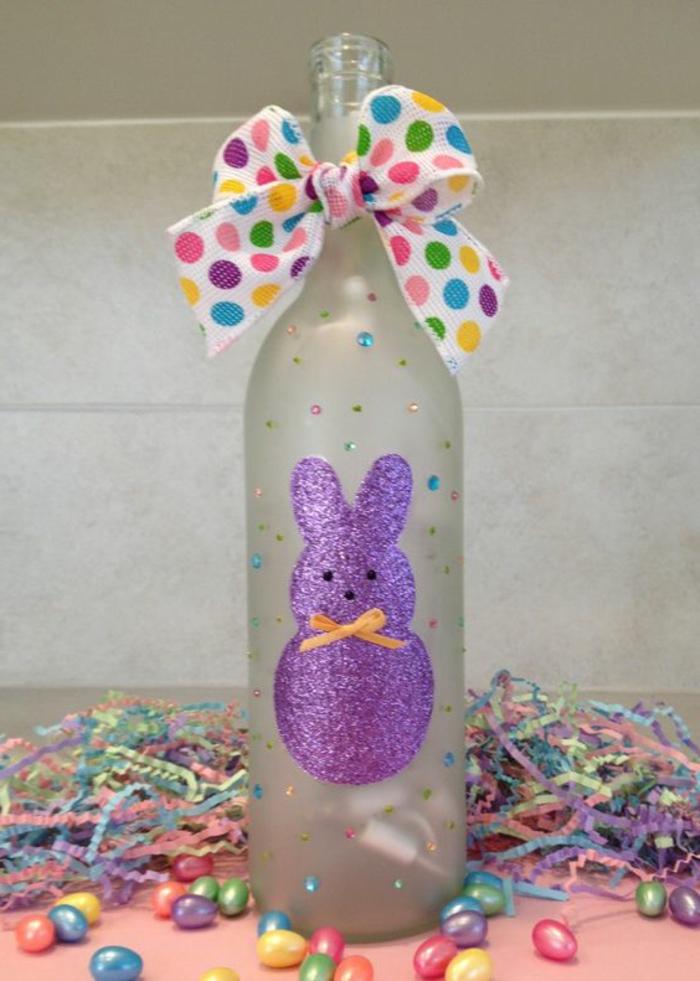 bastelideen ostern weinflasche dekorieren farbig machen