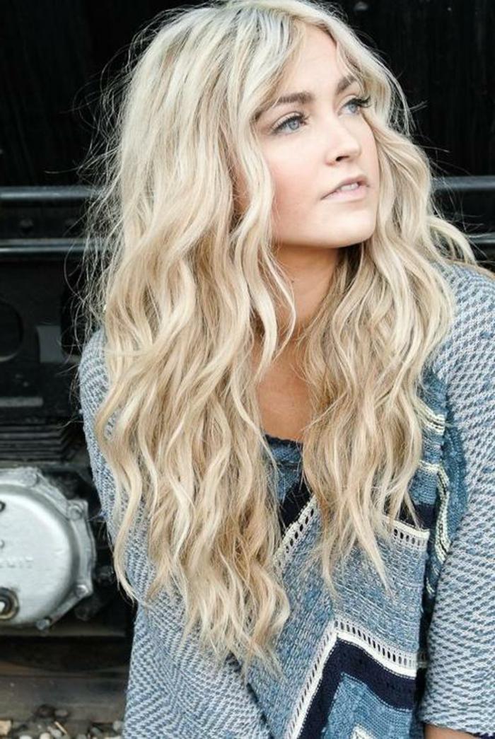 blondtöne hellblond wellig damenfrisuren lifestyle