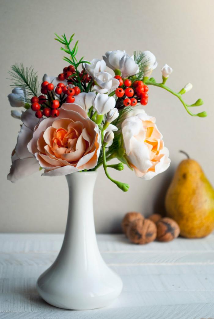 tischdekobunt frisch exotisch frühlingsblumen birne