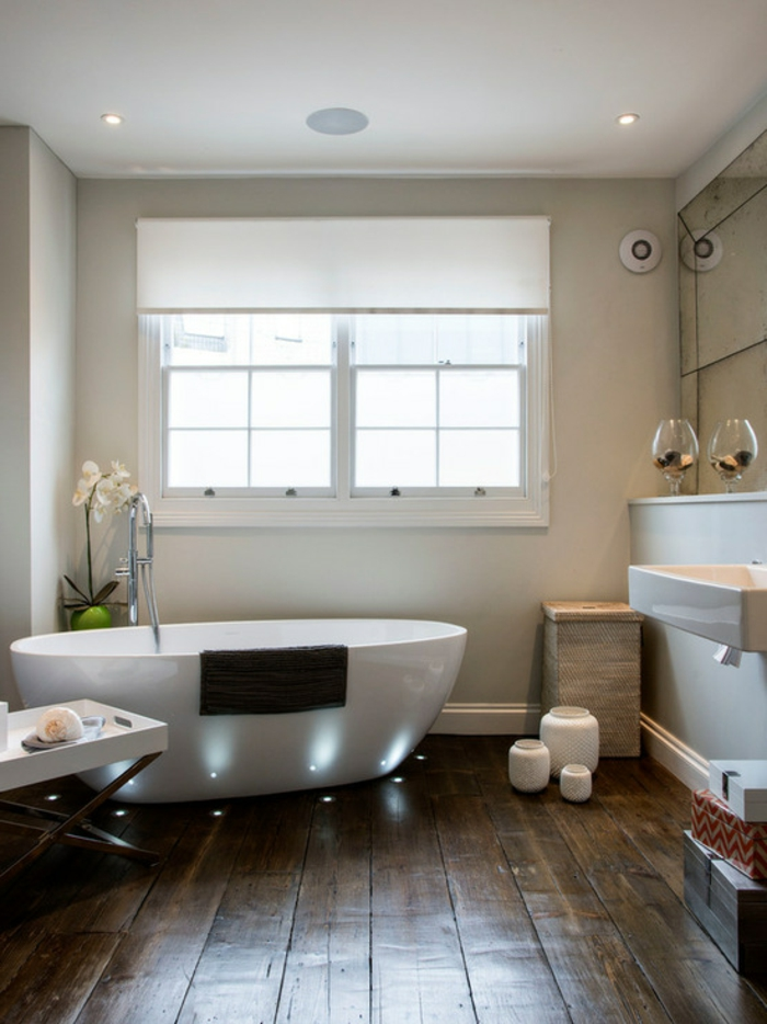 bodenbelag design badezimmer hölzern bad beleuchten