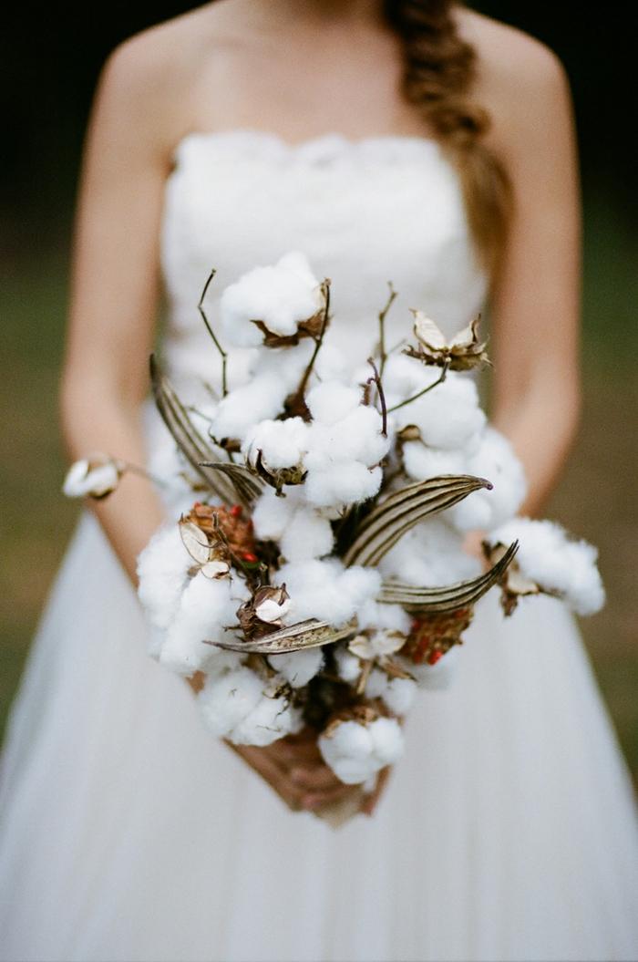 brautkleid schulterfrei trägerlos weiß baumwollzweige
