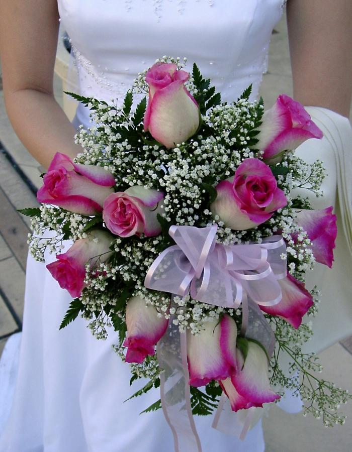 brautstrauss pinke rosen brautkleid hochzeit