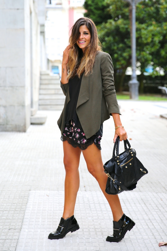 damenmode casual elegante frühlingsmode schwarze ledertasche