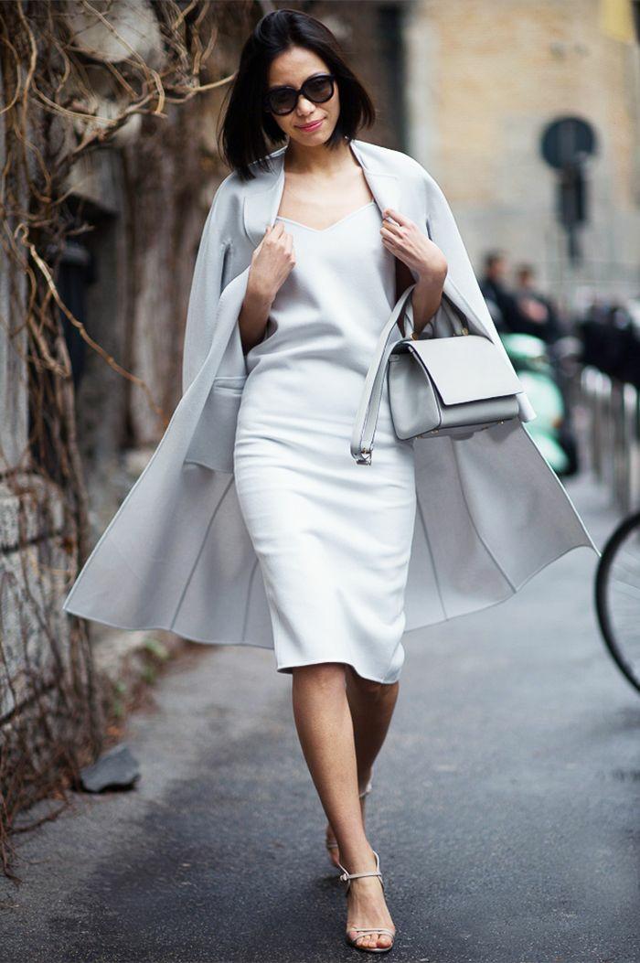 damentasche damenmode elegant kleid weiß mantel kleine ledertasche