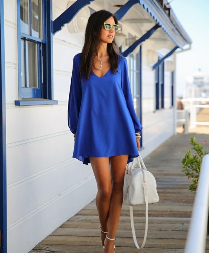 damentasche damenmode sommer trends sommerkleid blau weiße designer tasche