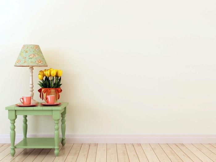 dekoideen frühling möbel selber gestalten pastellgrün nachttisch beistelltisch lachsfabene kaffeetassen