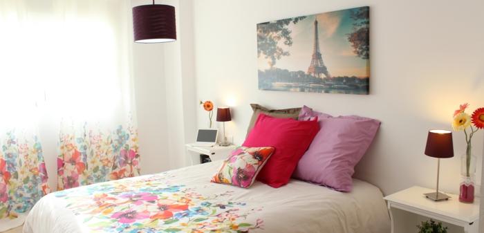 dekoideen frühling schlafzimmer bettschäsche dekokissen blumenmuster gardinen vorhänge