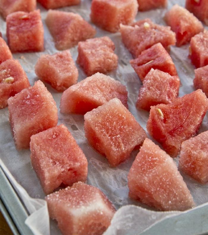 sommer rezepte eiswürfel eiswürfelbehälter wassermelone