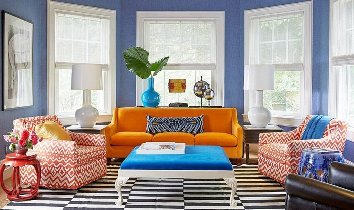 farbgestaltung inneneinrichutung komplementäre farben blau orange rot streifen