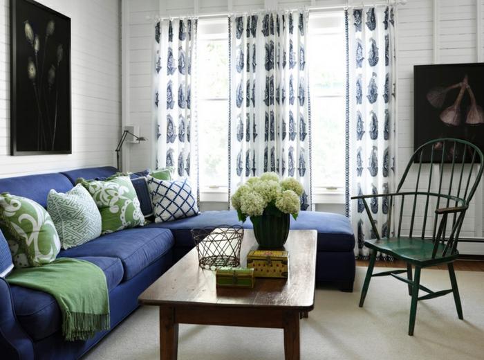 Farbgestaltung Inneneinrichutung Wohnzimmer Kalte Farben Dekokissen  Vorhänge Muster