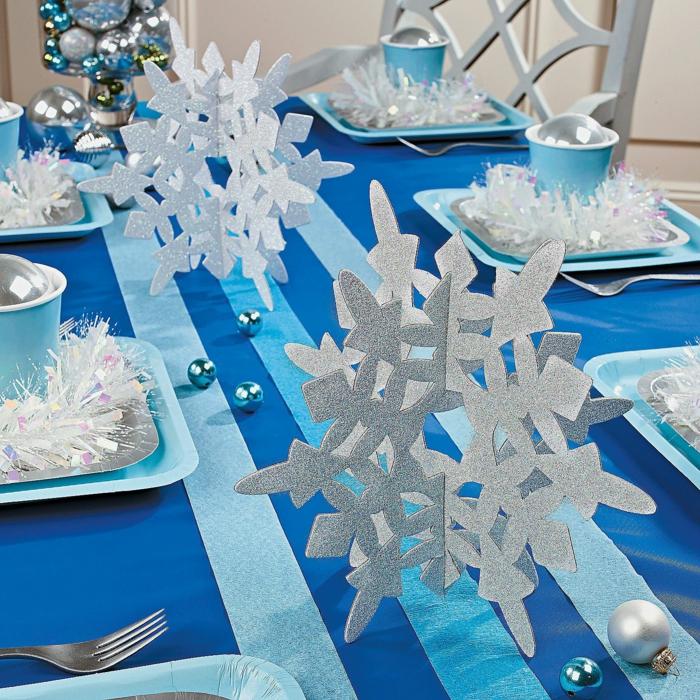 festliche tischdeko weihnachten schneeflöckchen silberne akzente