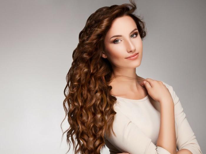 fettige haare tipps lang wellig hellbraun