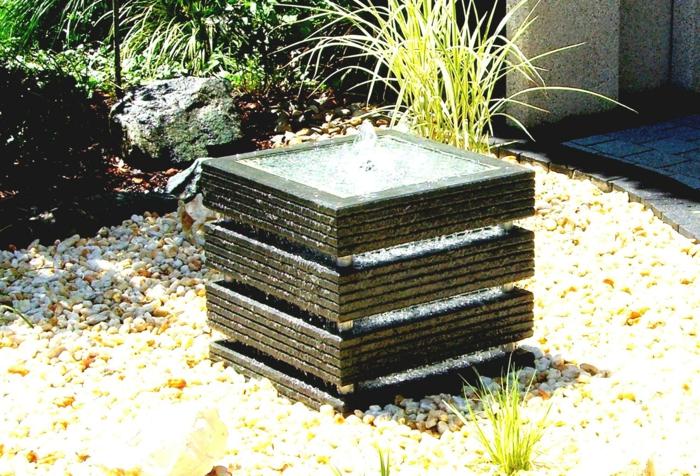gartenbrunnen gartenideen steingarten wasser