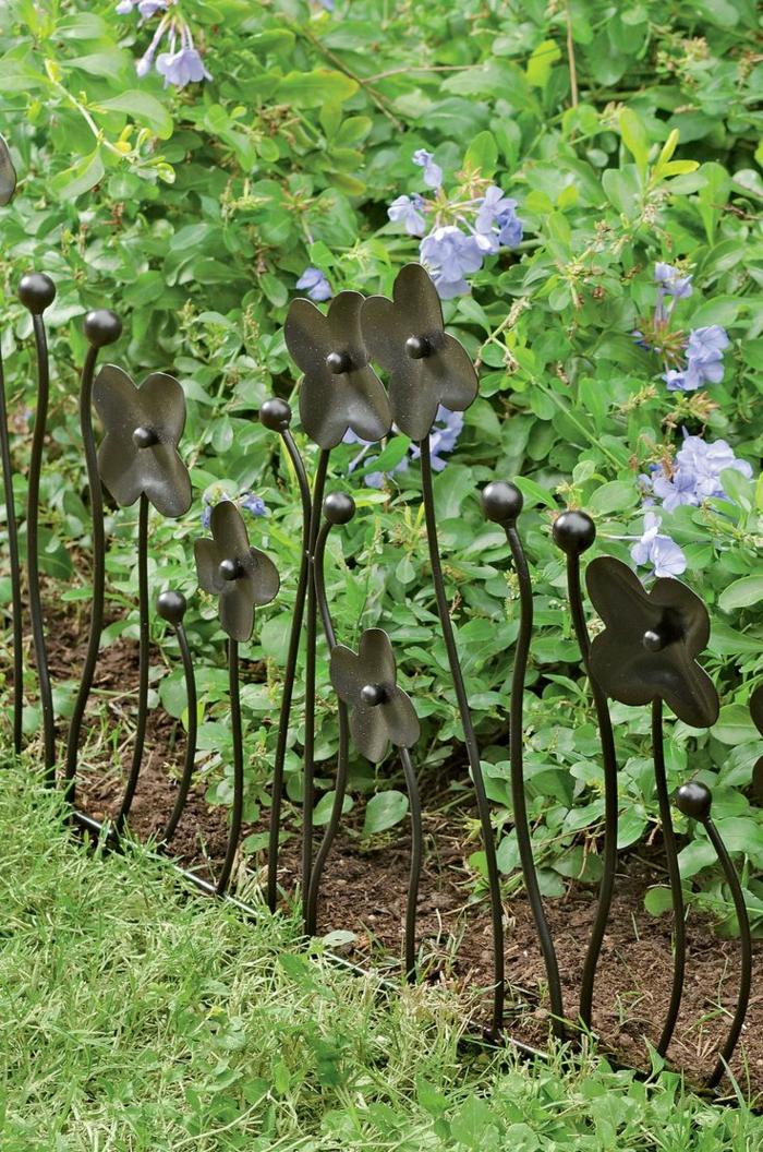gartenplanung garten pflanzen dekoideen gartenstecker blumen