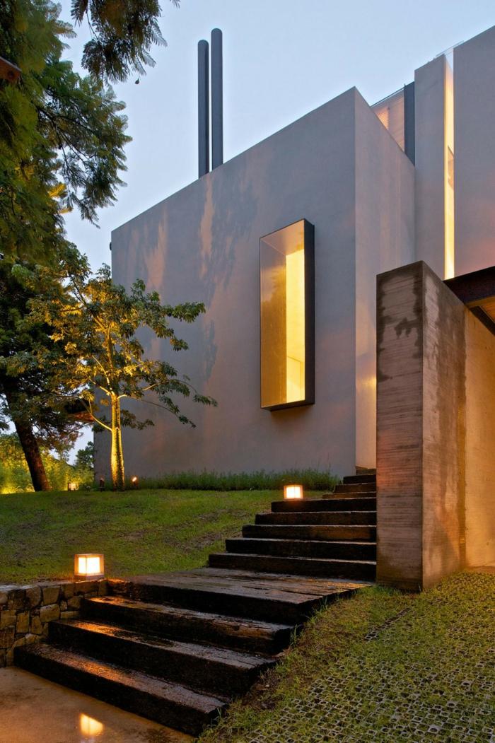 Moderne Gartengestaltung Gartentreppe Aussentreppe Kräuter Beleuchtet