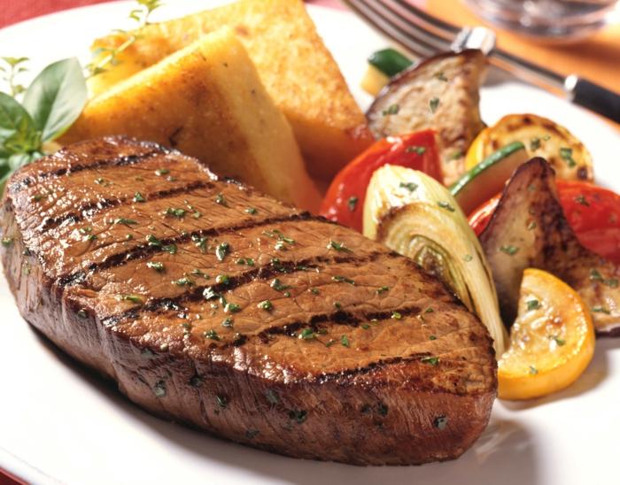 gesundes essen fleisch richtig essen zu mittag