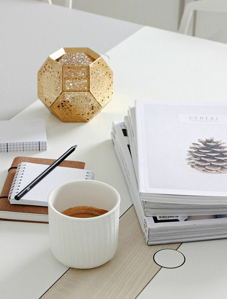 goldfarbene skandinavische Wohnaccessoires Kerzenhalter orientalische Akzente