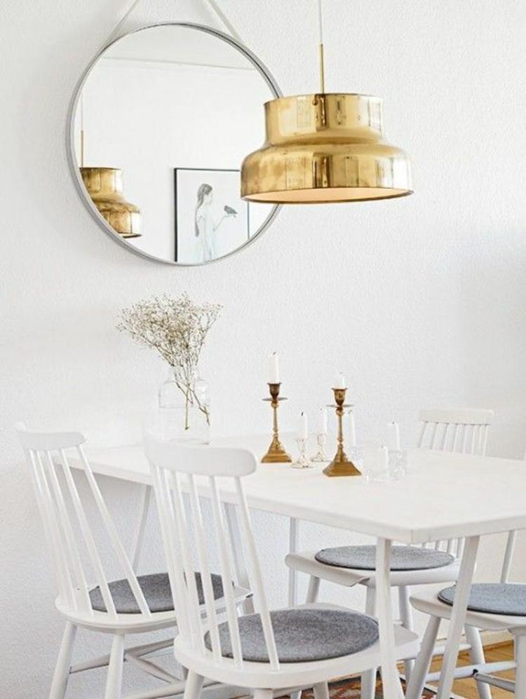 Pendelleuchte esszimmer tisch ~ Goldfarbene Pendelleuchte im Esszimmer ...