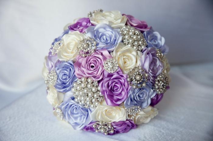 hochzeit braut stoff rosen broschen perlen strasssteine