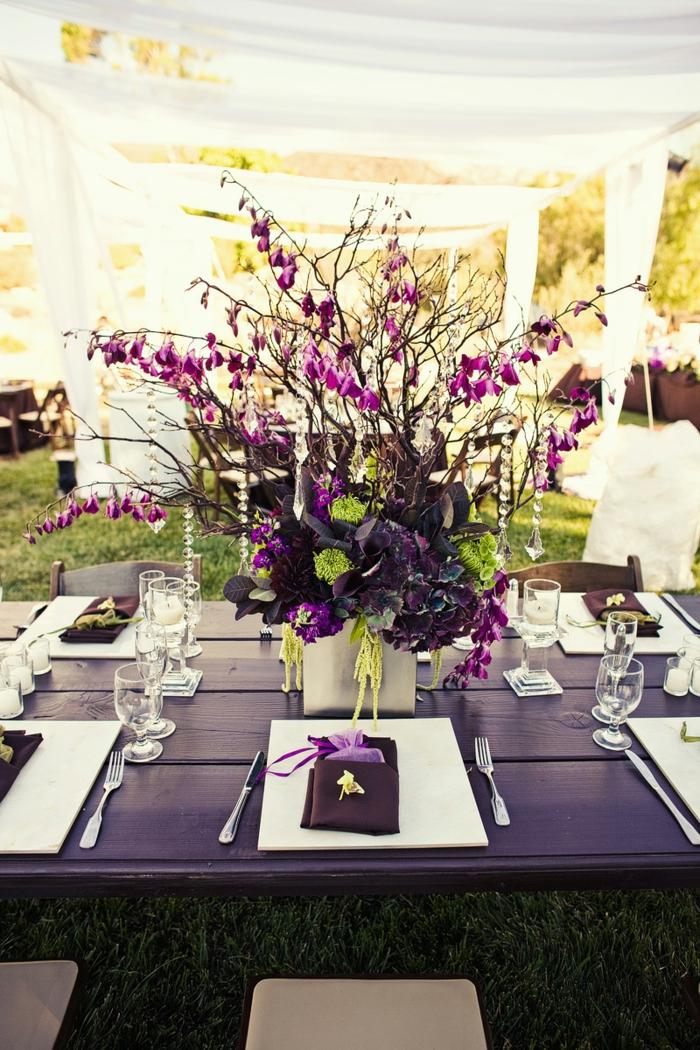 hochzeitsplanung violett akzente festliche tischddeko