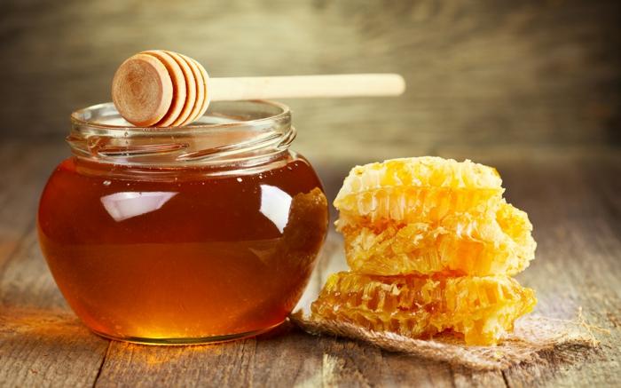 honig gesund honigpott honiglöffel