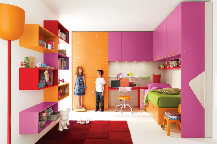 innendesign kinderzimmer einrichten farbige möbel roter teppich