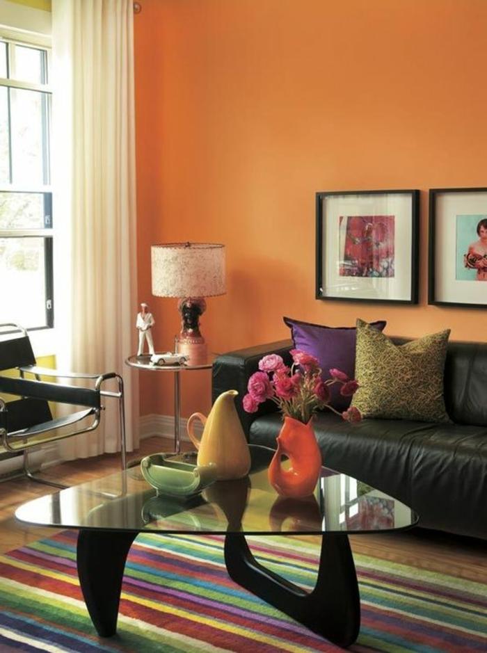 innendesign tangerine wandfarbe farbiger streifenteppich