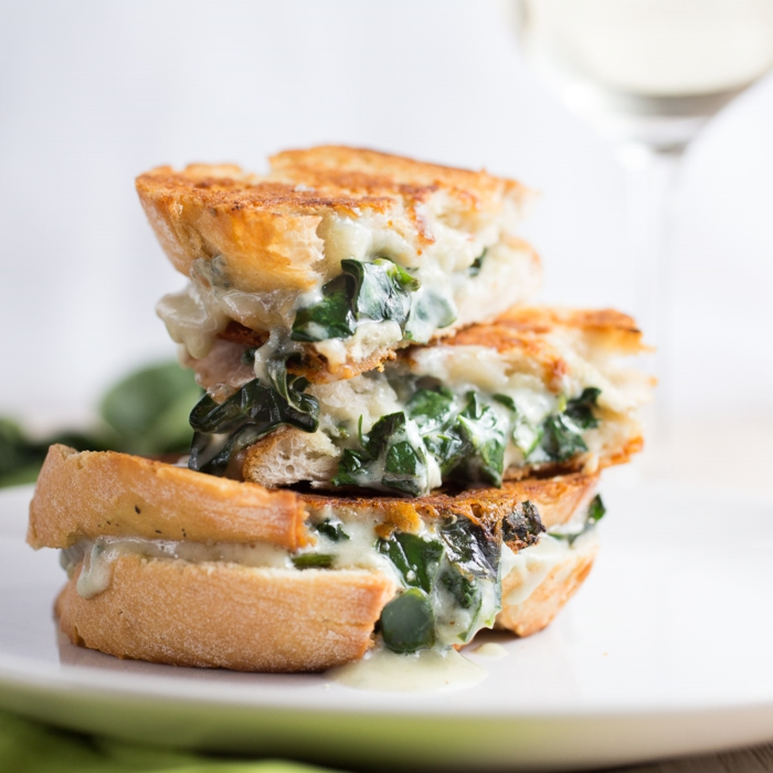 käse kaufen Gorgonzola schimmelkäse sandwich spinat