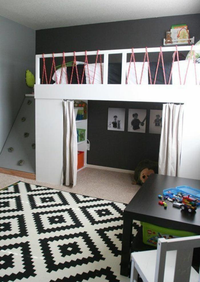 kinderzimmer teppich weiß schwarzes muster kinderhochbett