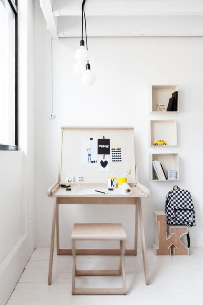 klappbarer Schreibtisch kleines Home Office einrichten Büromöbel