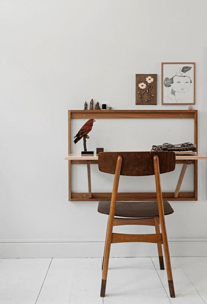 klappbarer Schreibtisch kleines Home Office einrichten Wandschrank Holz