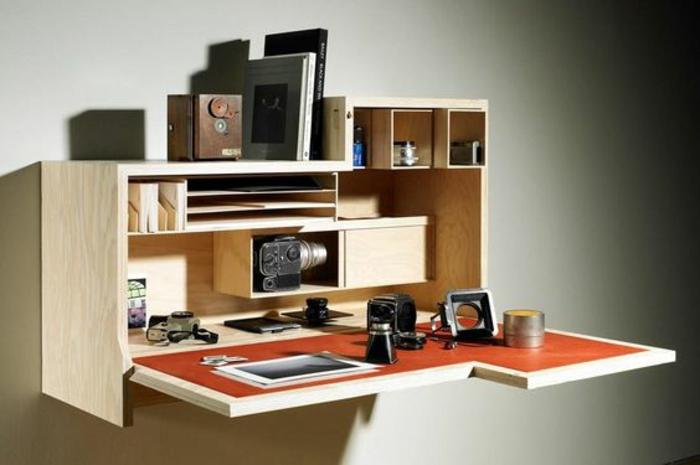 klappbarer Schreibtisch kleines Home Office einrichten Wandschrank