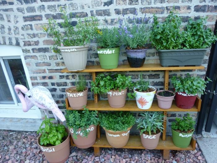 kräutergarten mit küchenkräutern selber anlegen und pflegen, Gartengerate ideen