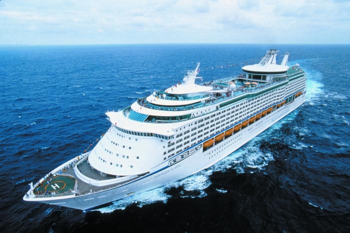 kreuzfahrt reisen passagierschiff groß urlaub reisen